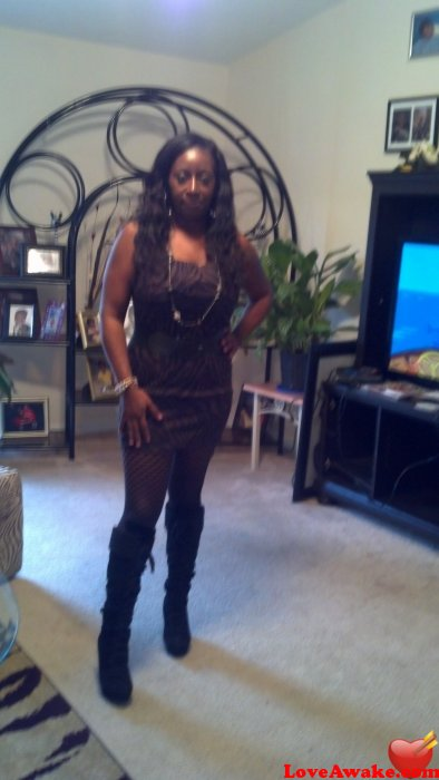 danielle2613 American Woman from Milton