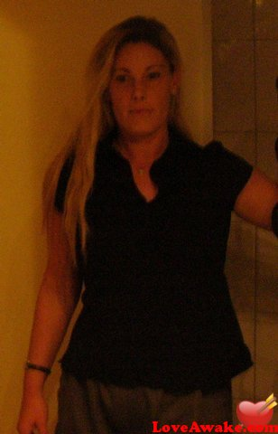 NoName44 German Woman from Vilseck