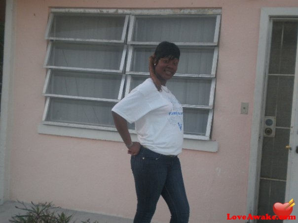 Honey9521 Bahamian Woman from Nassau