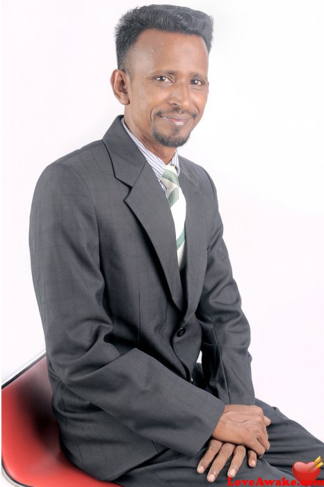 LAWSHA Maldives Man from Male