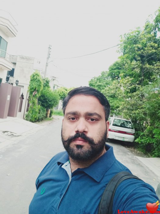 Adnanwho Pakistani Man from Gujranwala