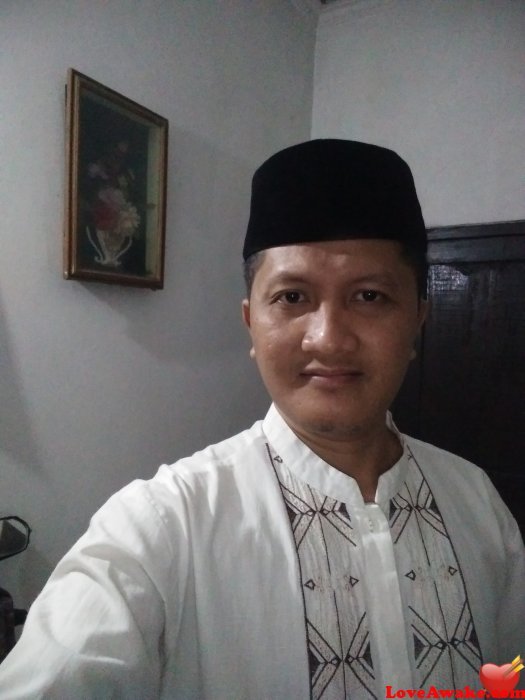 Fakhrudin Indonesian Man from Surabaya