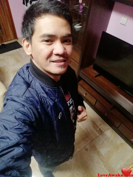 Rc04randy Filipina Man from Manila