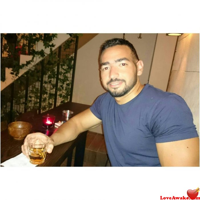 ziad87 Canadian Man from Windsor