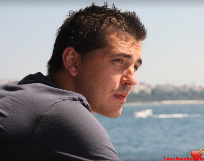 Razvan82 Romanian Man from Bucharest = Bucuresti