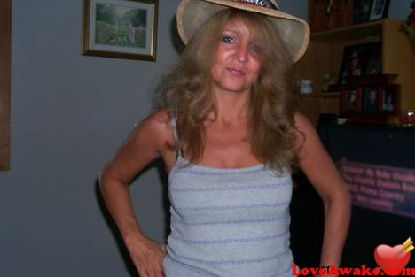 luckylisa17 American Woman from Grand Island