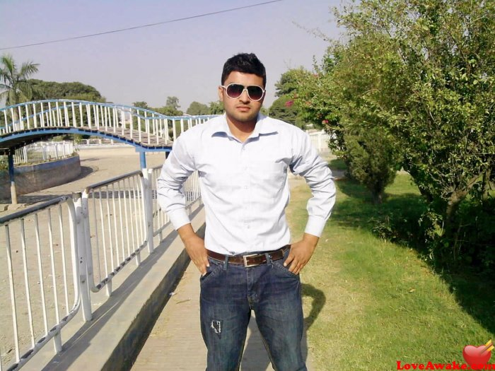 shahrukh44 Pakistani Man from Gujranwala