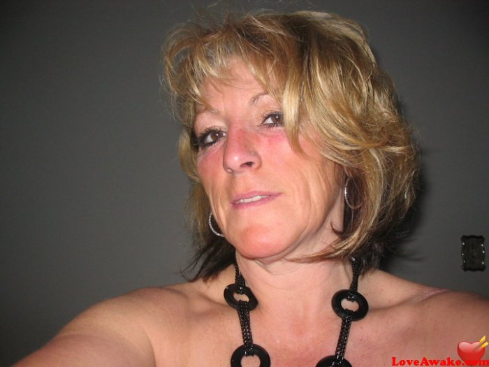 cougar48 Canadian Woman from Edmonton