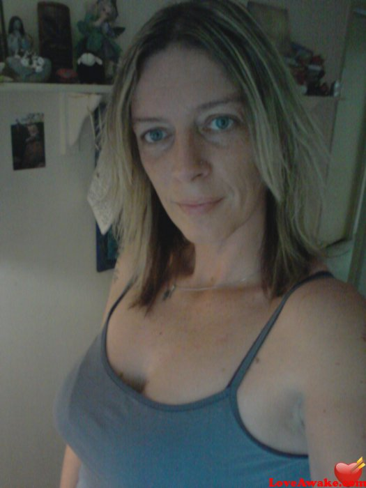 mzranni Australian Woman from Brisbane