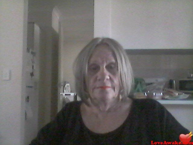looking2222 Australian Woman from Perth