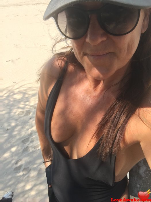 Shellstar Australian Woman from Port Macquarie
