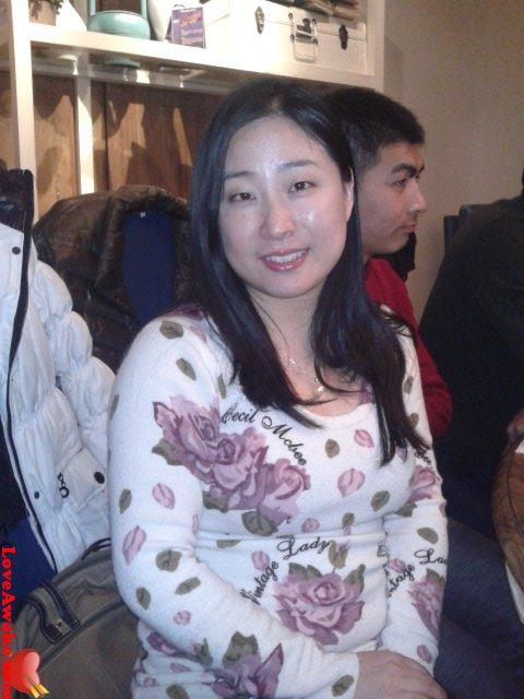 SUESH Chinese Woman from Shanghai