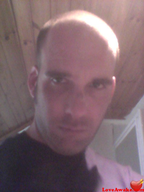 easziq69 UK Man from Newport