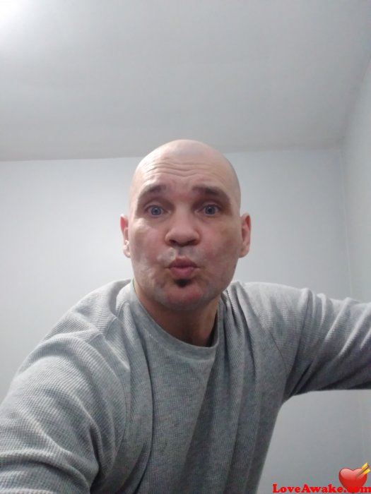 Beny44 Canadian Man from London