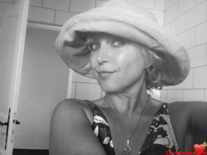 Luna252 French Woman from St Etienne-les-Orgues