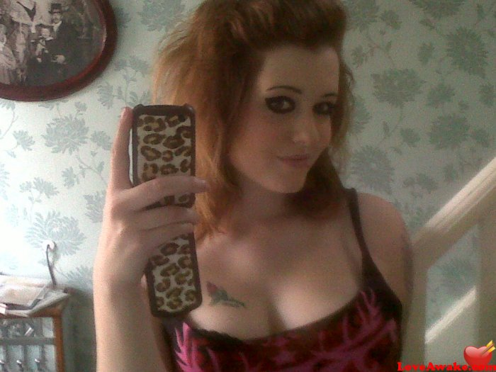 yazzy92 UK Woman from Lincoln