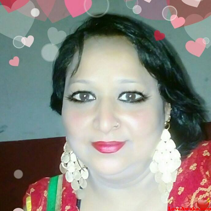 aashi34 Indian Woman from Dera Bassi