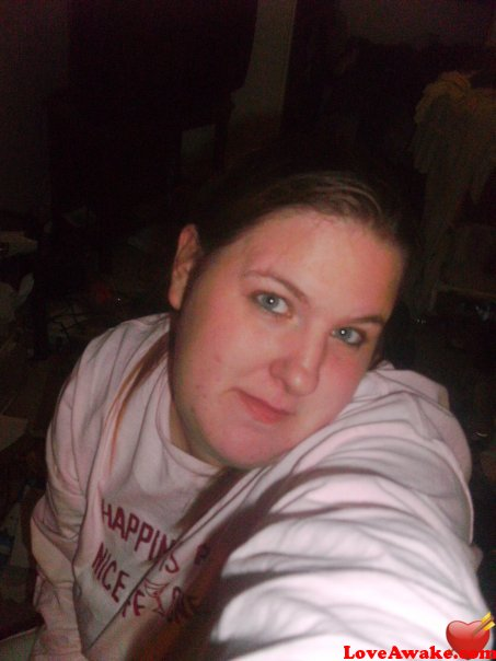 sweetnspicy28 American Woman from Des Moines