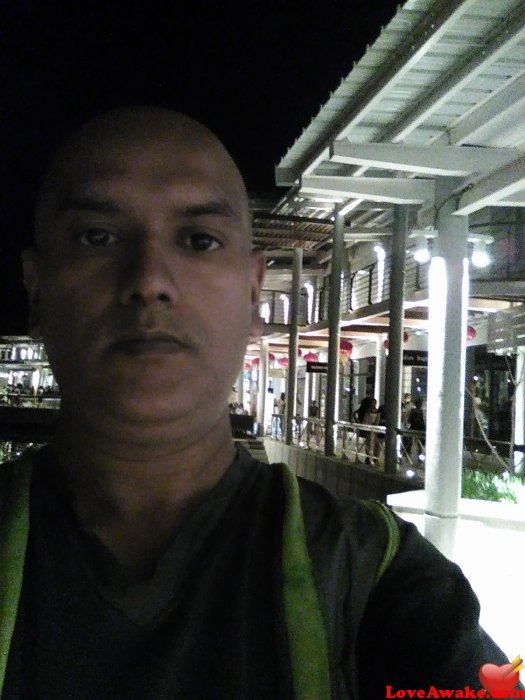 sant88 Mauritius Man from Port Louis